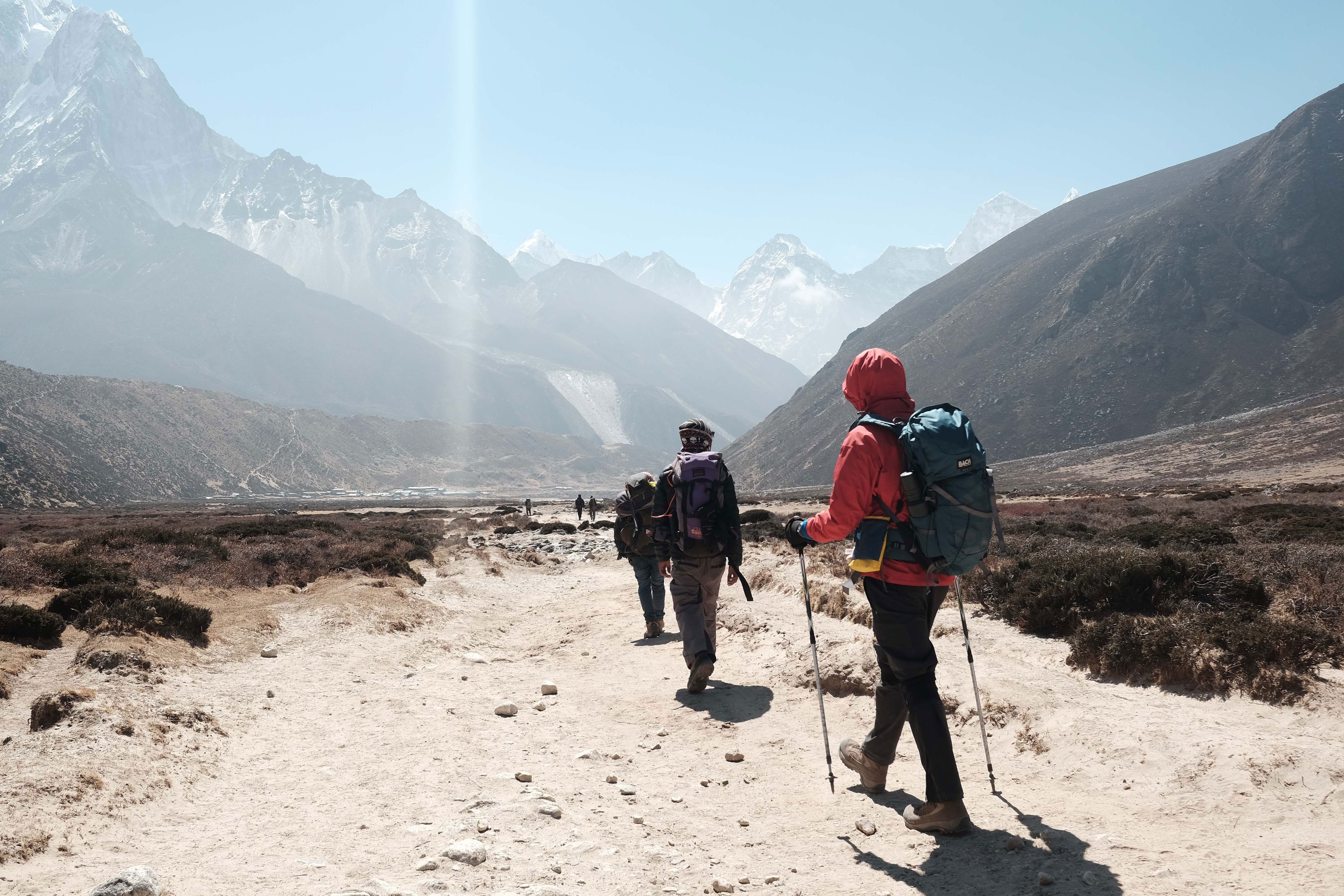 China closes Everest base camp for litter clean-up