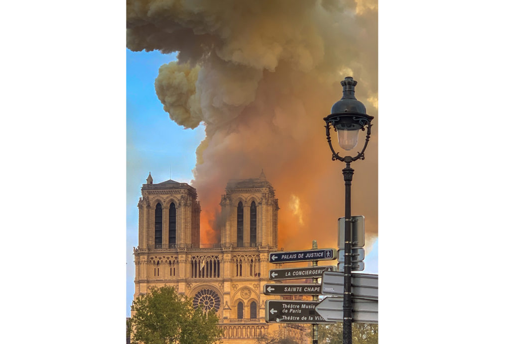 Free flights for Notre Dame reconstruction volunteers