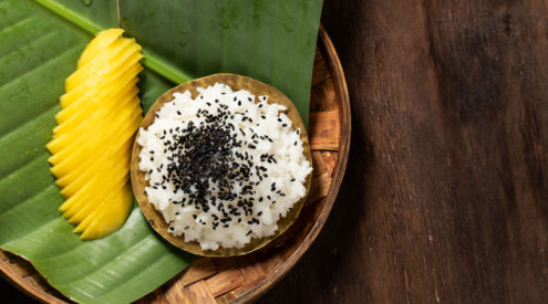 Sticky coconut rice and mango