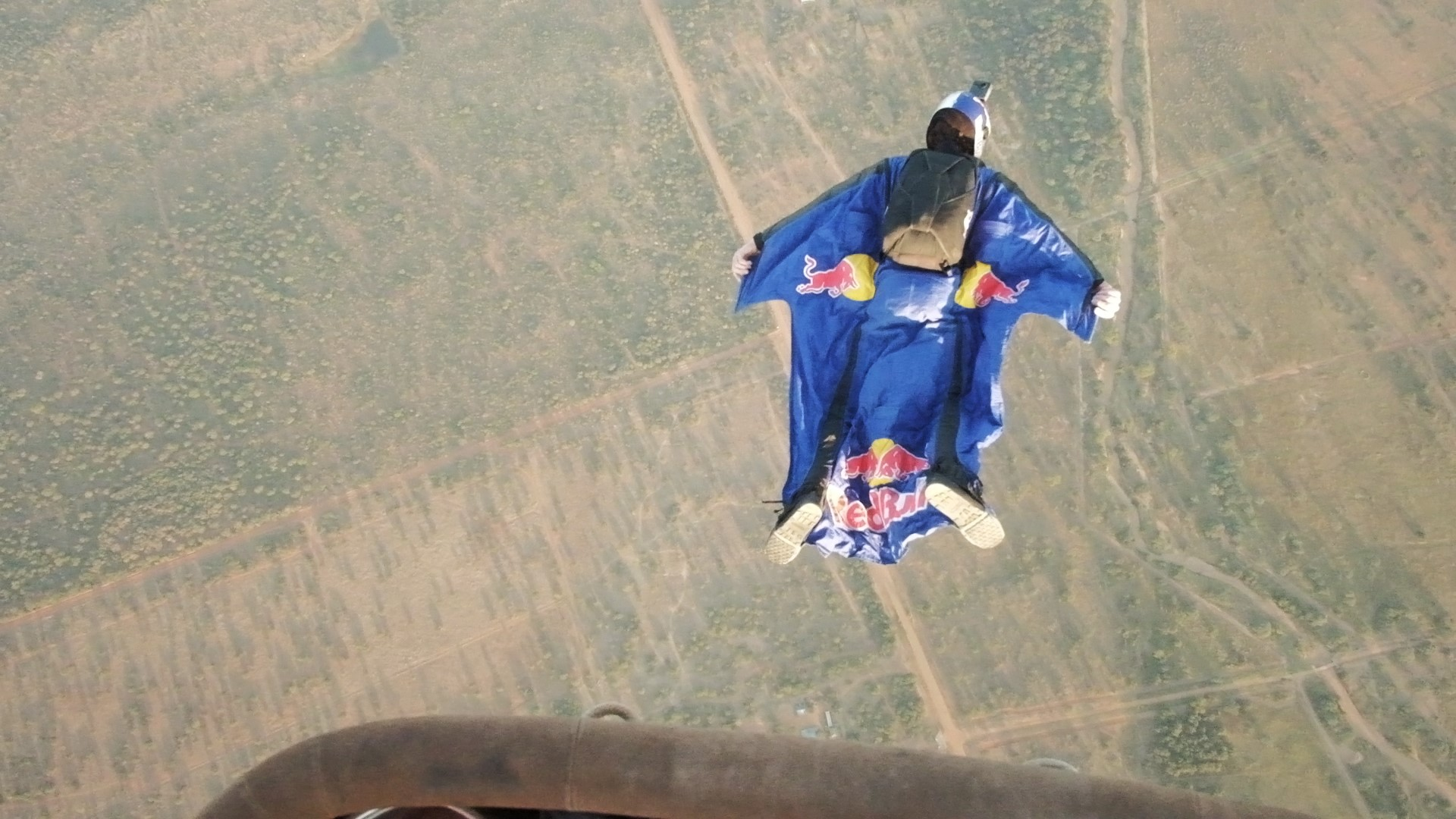 Charity skydive to save rhinos