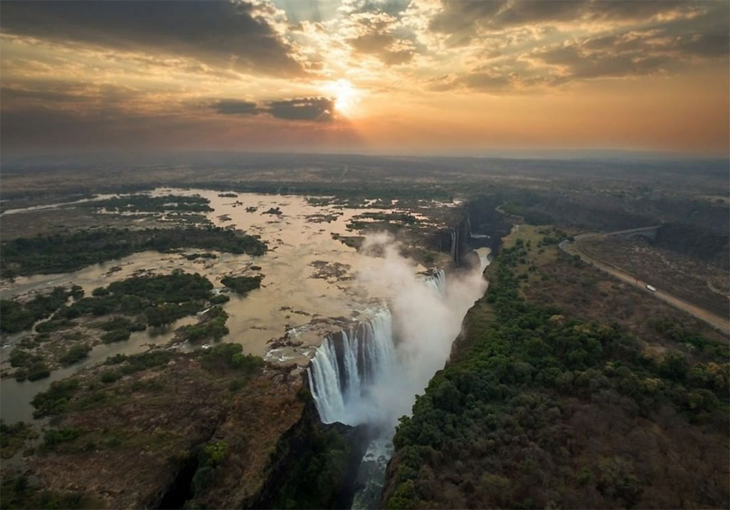 Victoria Falls has not dried up