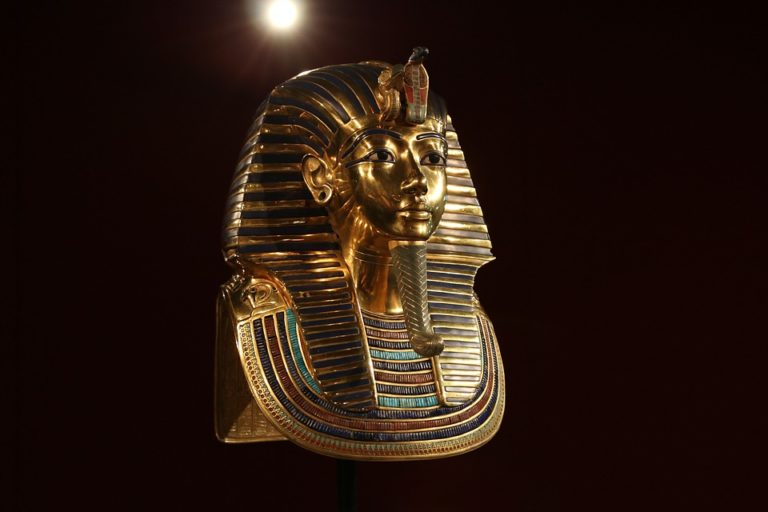 Tutankhamun death mask, pharaoh