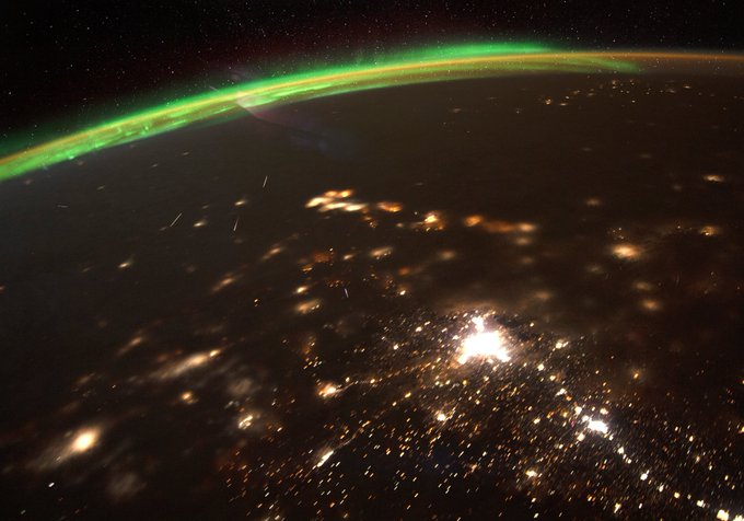 Astronaut shares unusual image of 2020's first meteor shower