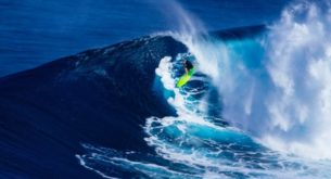 Surfer loses board in Hawaii, reappears in Philippines